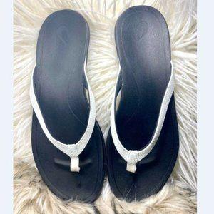 OluKai Womens Hoopio White Flip Flops Thongs 10